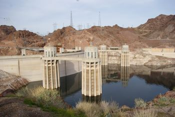 Hoover Dam by MiKix
