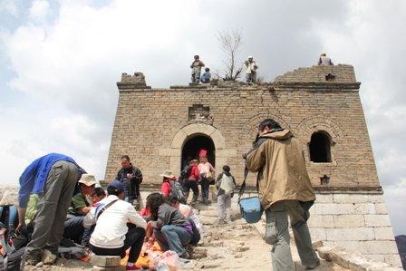 Chineses na Muralha da China