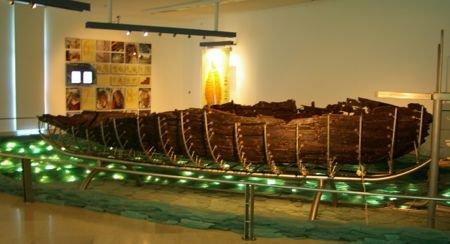 Museu barco de Jesus por Mikix